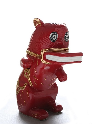 <b>The Wild Cat Returns (Red)</b><br/>porcelain<br/><br/>34.6 x 28 x 26.5cm<br/><br/>edition of 10